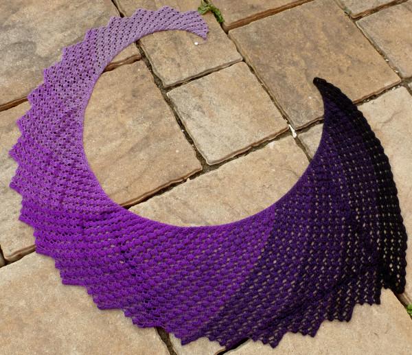 Häkelanleitung Dragon Fly Tuch (breite Variante) von Tanja Schuster